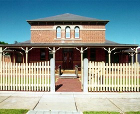 Wentworth Courthouse - Accommodation BNB
