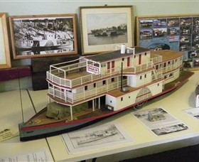 Wentworth Model Paddlesteamer Display - Accommodation BNB