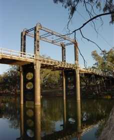 The Historic Barwon Bridge - Accommodation BNB