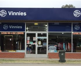 Vinnies - Accommodation BNB