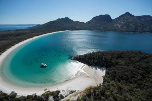 Wineglass Bay Cruise from Coles Bay - Accommodation BNB