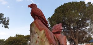Chainsaw Tree Sculpture - Accommodation BNB