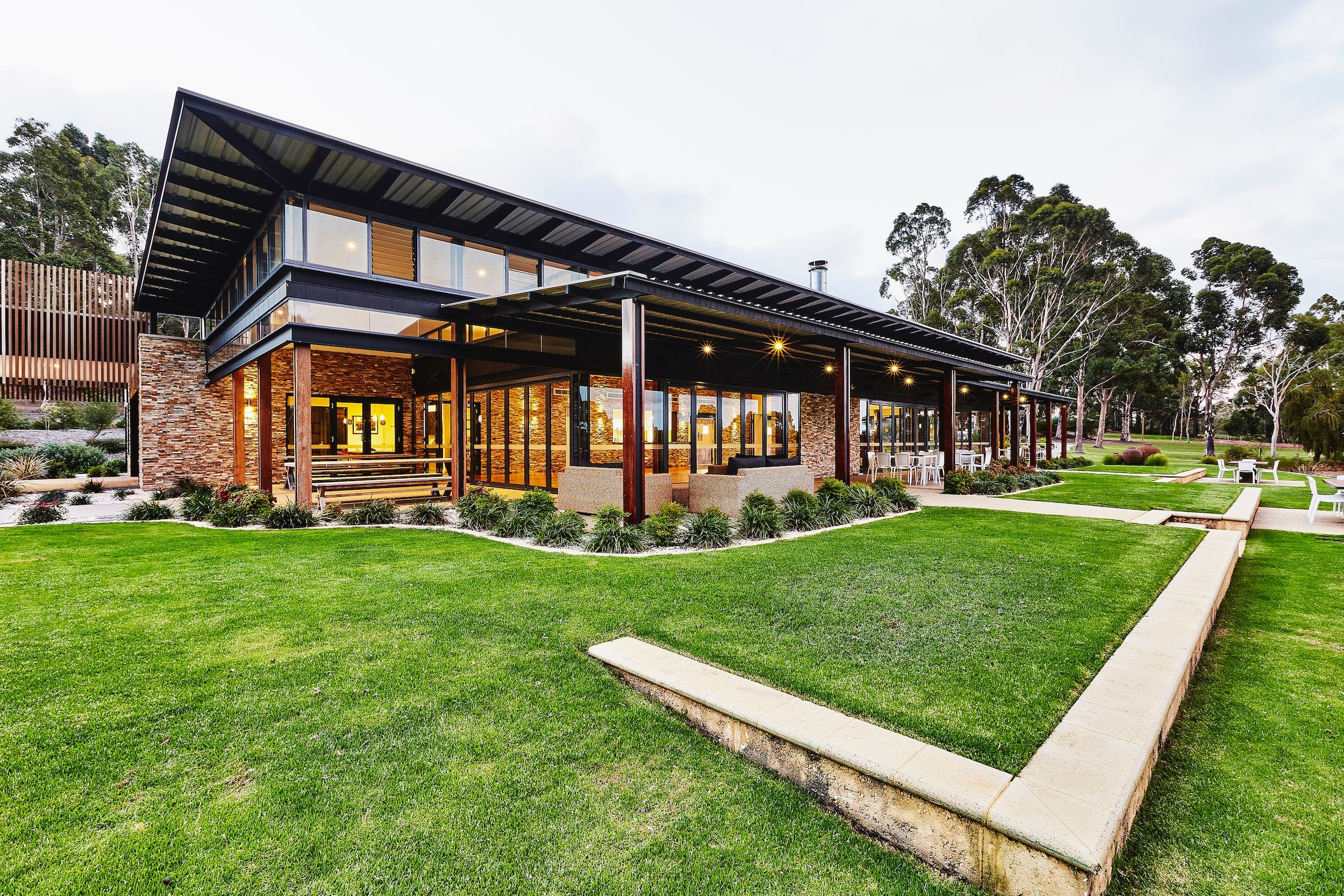 Lakeside Function Centre - Eight Willows Retreat - Accommodation BNB