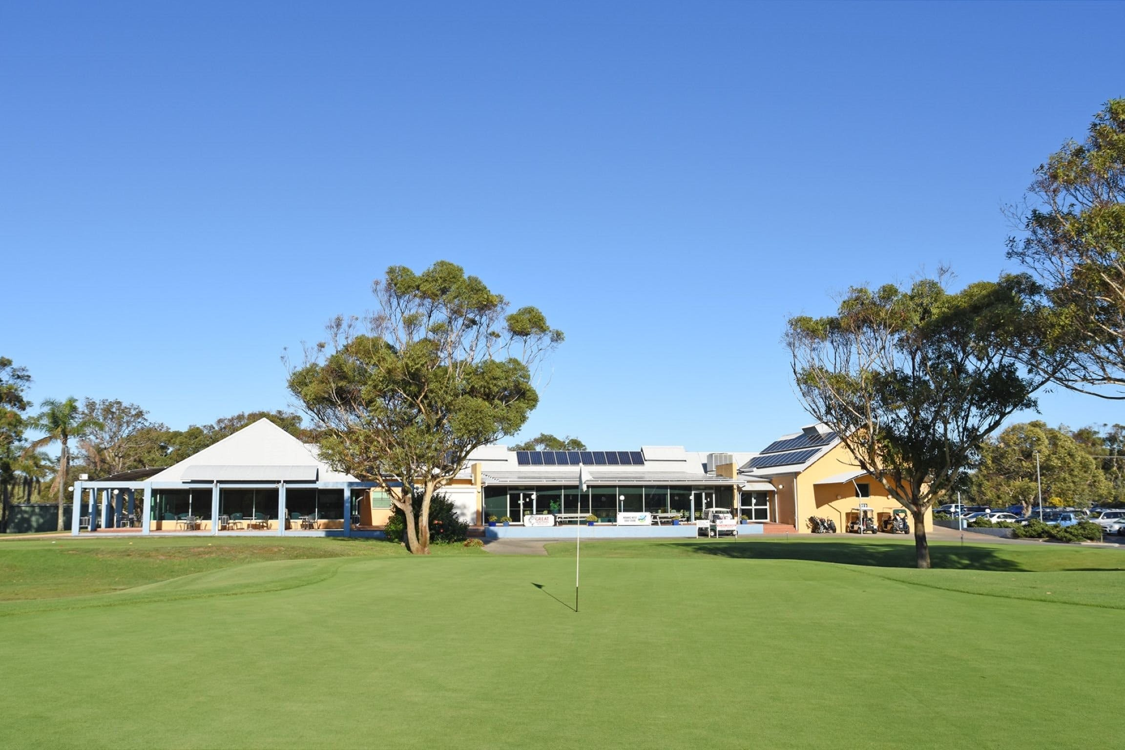 Hawks Nest Golf Club - Accommodation BNB