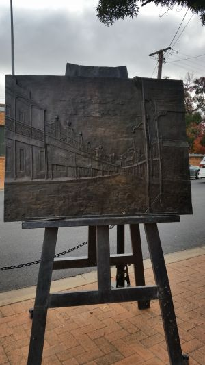 Russell Drysdale Easel Sculpture - Accommodation BNB