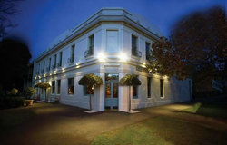 O'Connells Centenary Hotel - Accommodation BNB