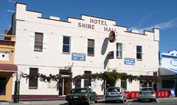 Shire Hall Hotel - Accommodation BNB