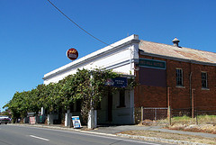 Red Hill Hotel - Accommodation BNB