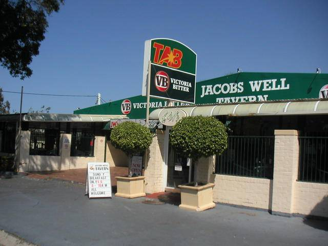 Jacobs Well Bayside Tavern - Accommodation BNB