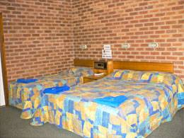 Bohle Barn Hotel Motel - Accommodation BNB