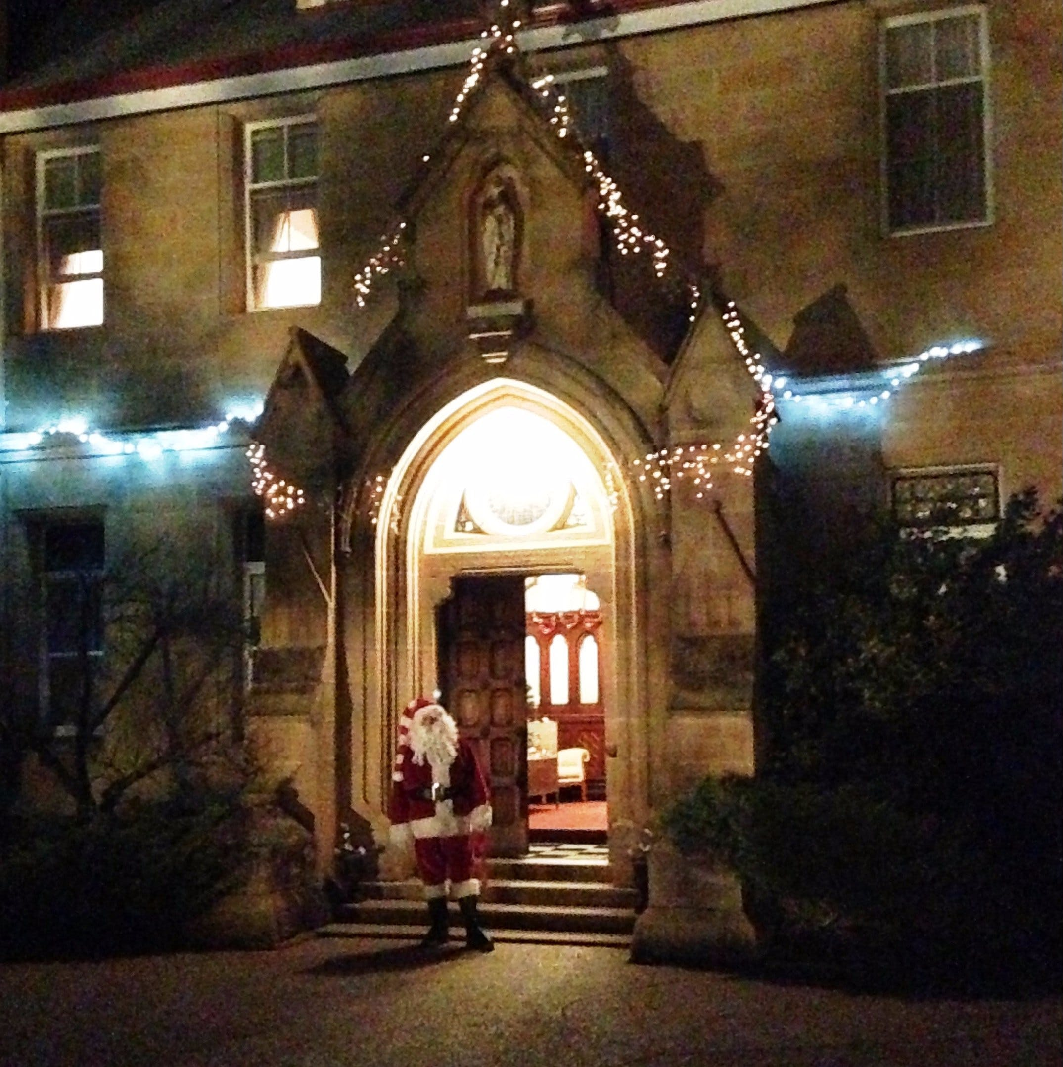 Abbey of the Roses - Christmas in July - Accommodation BNB