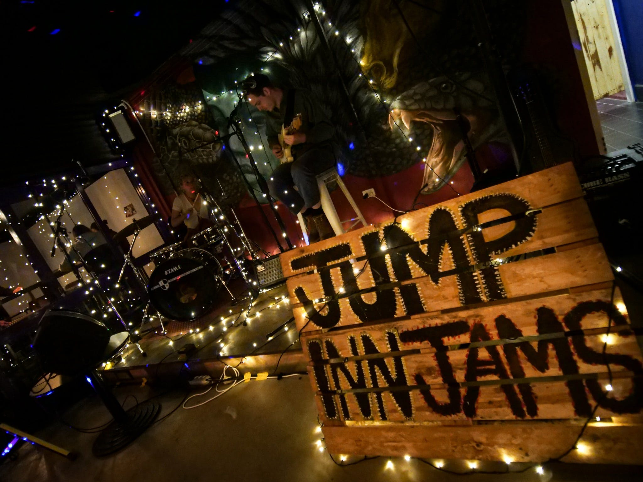 Jump Inn Jam Sessions - Accommodation BNB