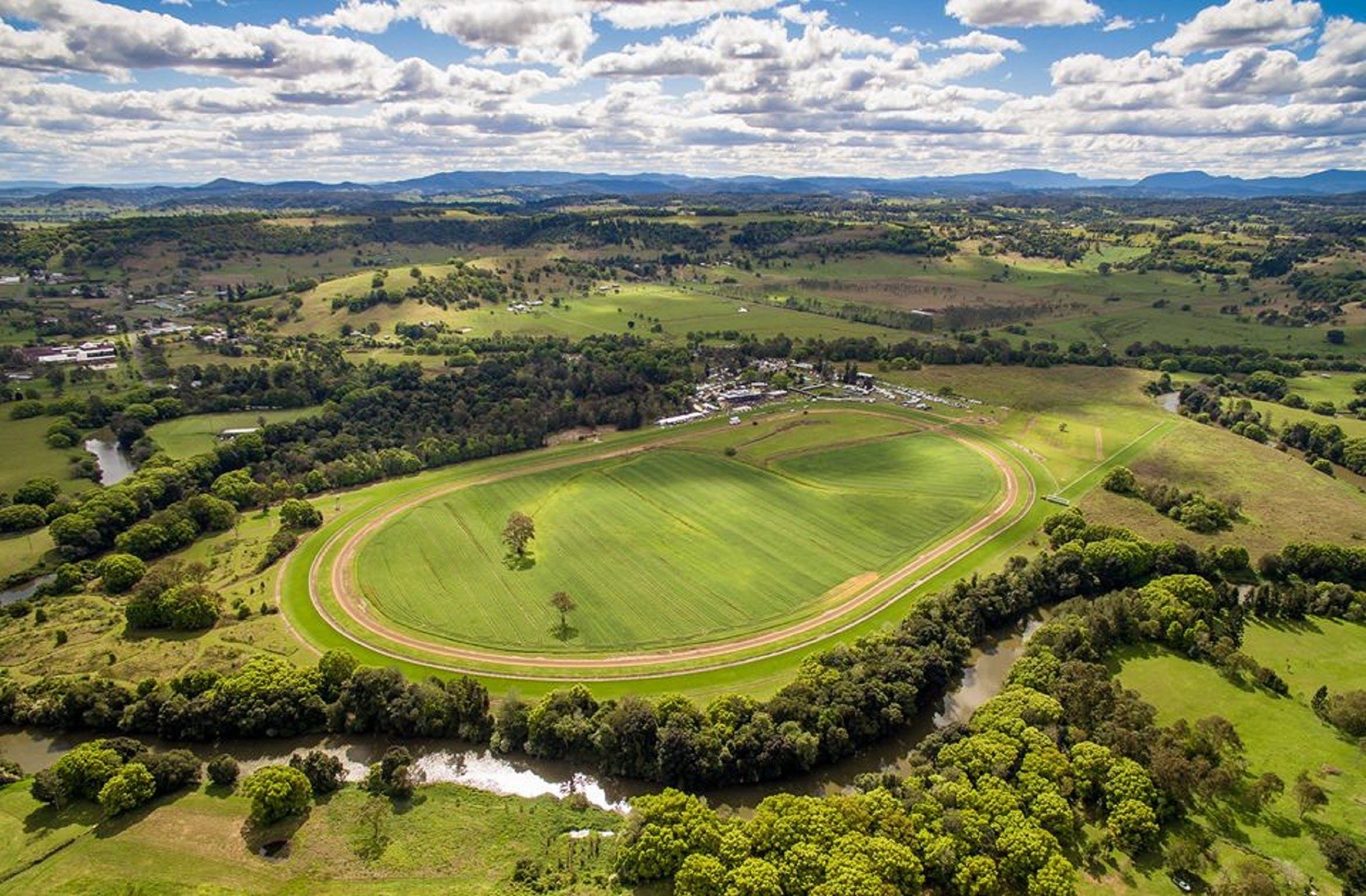 The OBrien Electrical and Plumbing Lismore Cup - Accommodation BNB