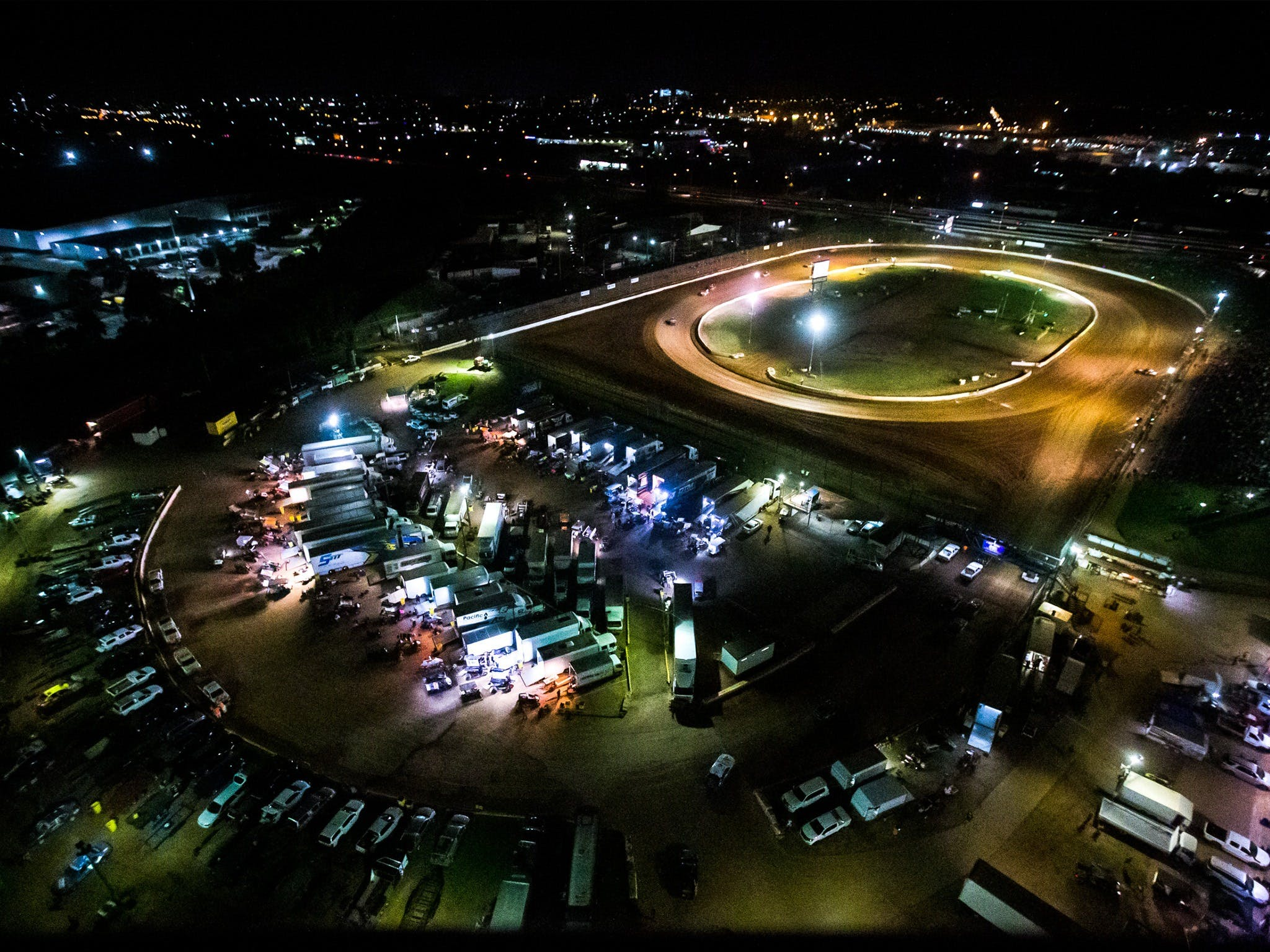 Valvoline Raceway's Opening Night - Accommodation BNB