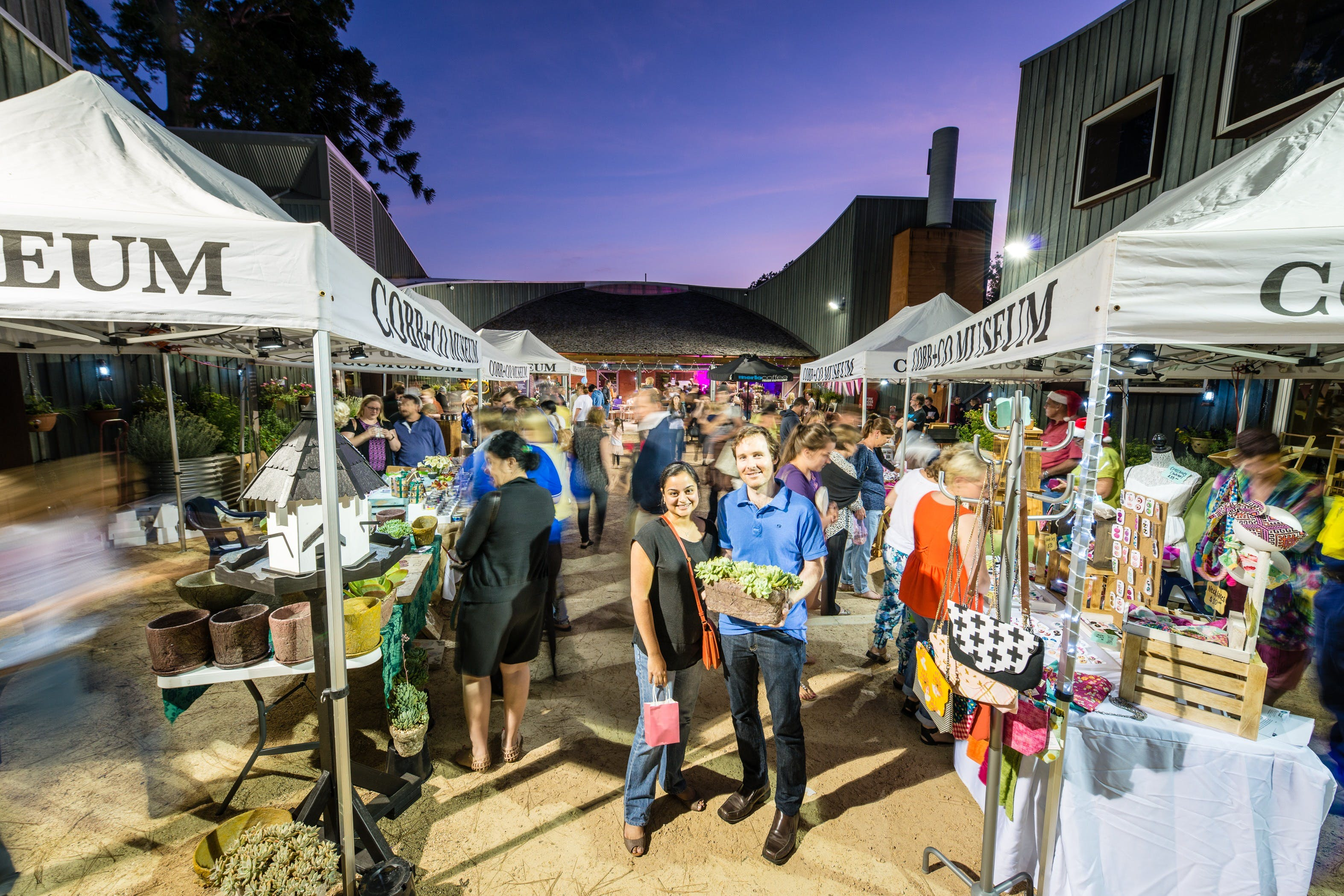 Hand Made Under the Stars - Twilight Market - Accommodation BNB