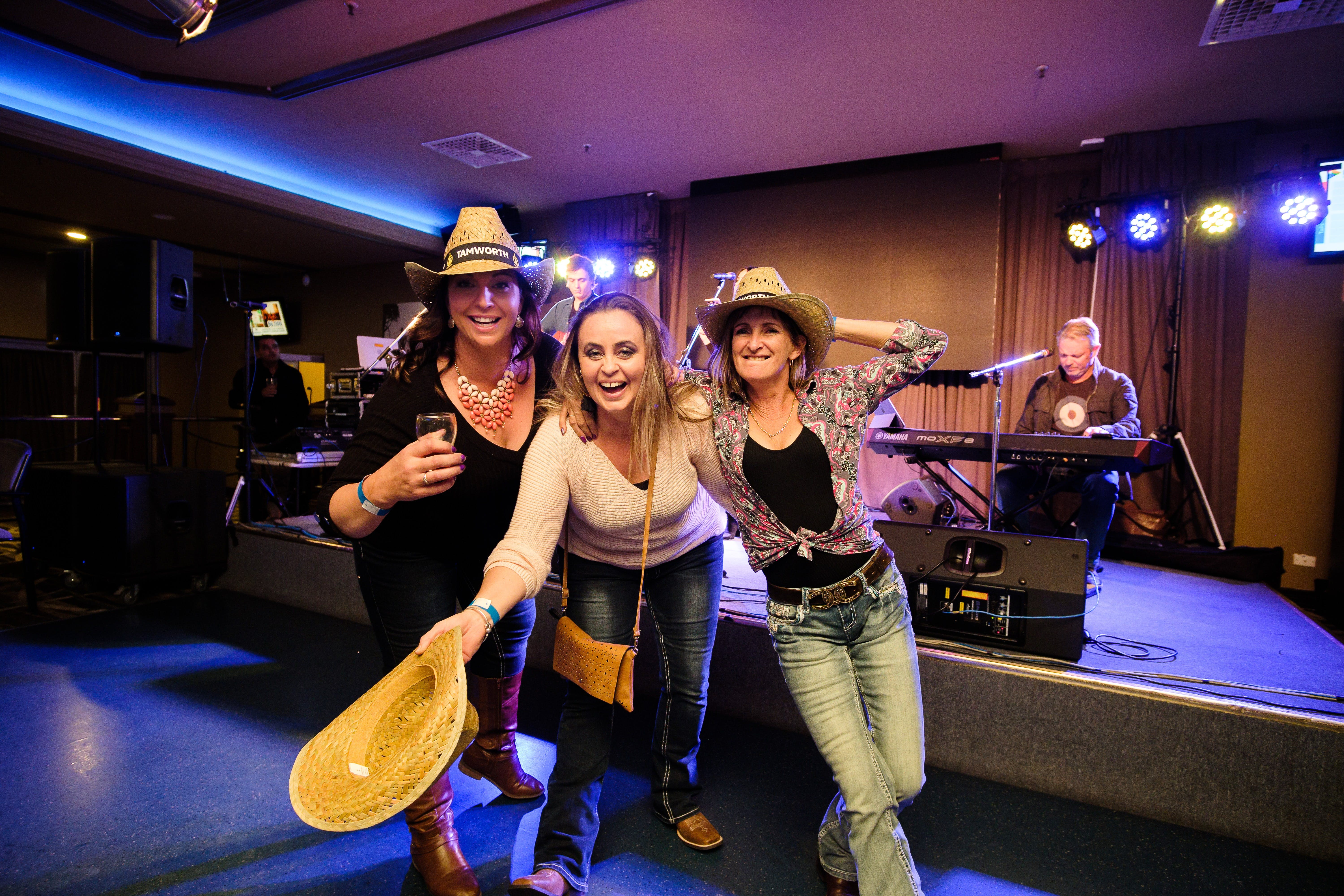 Hats Off to Country Music Festival - Accommodation BNB