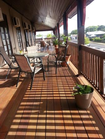 Commercial Hotel Clermont - Accommodation BNB