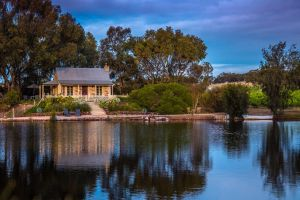 Stonewell Cottages and Vineyards - Accommodation BNB