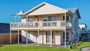 Rocks Beach House Victor Harbor - Accommodation BNB