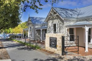 Grandview Homes Accommodation - The Adelaide - Accommodation BNB