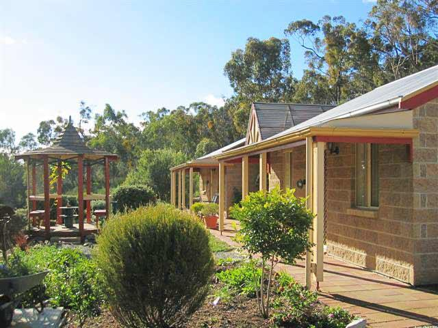 Riesling Trail  Clare Valley Cottages - Accommodation BNB