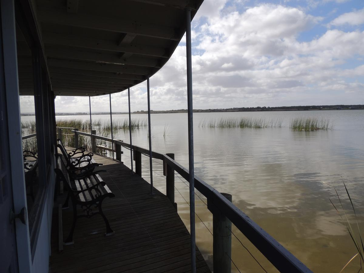 PS Federal Retreat Paddle Steamer Goolwa - Accommodation BNB