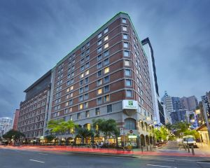 Holiday Inn Darling Harbour - Accommodation BNB
