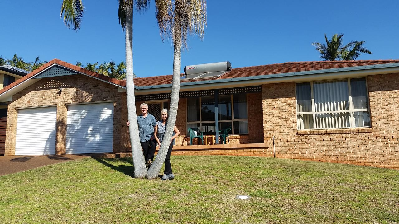 Twin Palms Holiday House at Lighthouse - Accommodation BNB