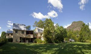 Glass House Mountains Ecolodge - Accommodation BNB