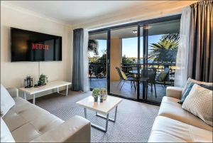 Gold Coast Apartment At Sandcastles On Broadwater - Accommodation BNB