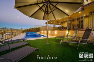 7 Kestrel Place - PRIVATE JETTY  POOL - Accommodation BNB