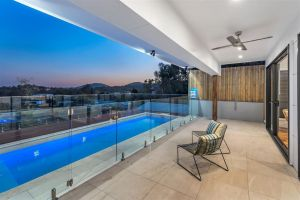 Panoramic Views Villa Birdwood Terrace 4 Bedroms - Toowong - Accommodation BNB