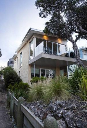 Battery Cove Beach Front Apartment - Accommodation BNB
