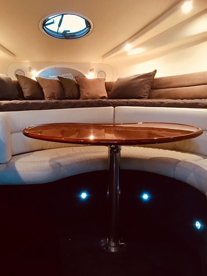Luxury on the water Private luxurious boat - Accommodation BNB