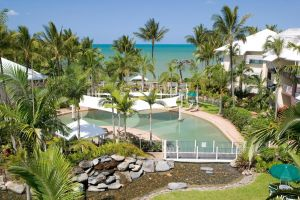 Coral Sands Beachfront Resort - Accommodation BNB