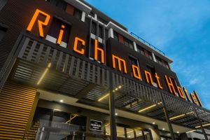 Mantra Richmont Hotel - Accommodation BNB