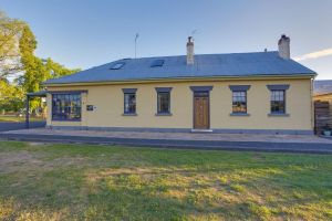 Whites Corner - Accommodation BNB