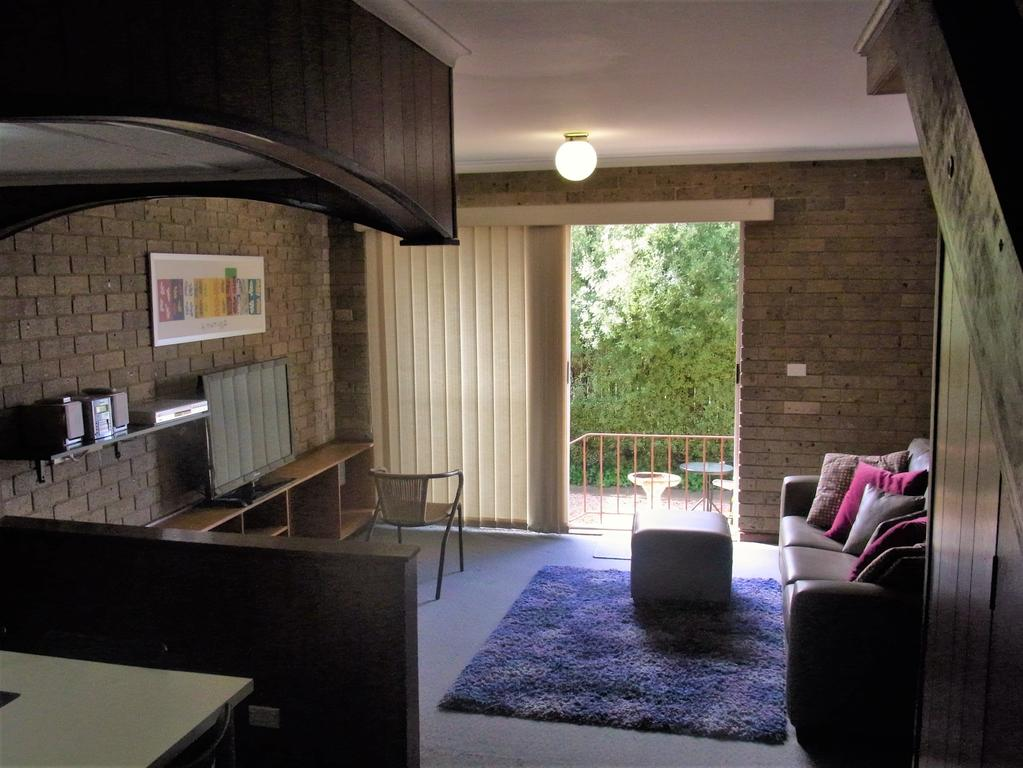 A Furnished Townhouse in Goulburn - Accommodation BNB