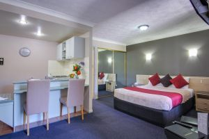 AAA Airport Albion Manor Apartments and Motel - Accommodation BNB