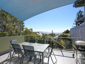 Angourie Blue 1 - Great Ocean Views - Surfing beaches - Accommodation BNB