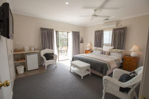 Batemans Bay Manor - Bed and Breakfast - Accommodation BNB